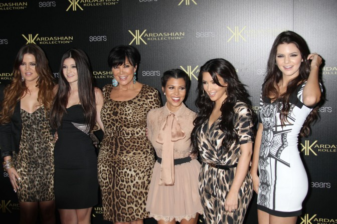 The Kardashians : Why do we hate loving them?